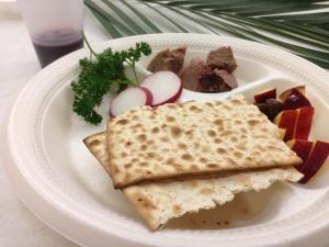 seder meal plate